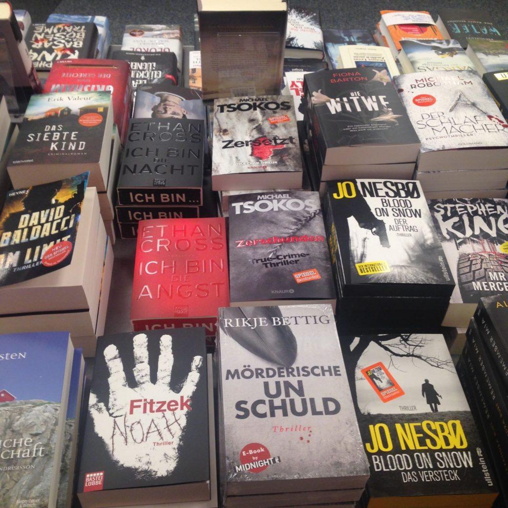 Mörderische Unschuld in den Buchläden